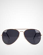 NLY Accessories Svart Pilot Sunglasses