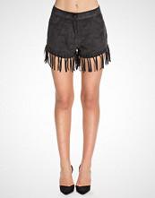 NLY Trend Svart The Fringe Shorts