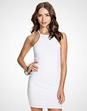 NLY Trend Hvit High neckline dress