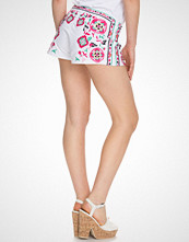 NLY Trend Multi Embroidered Shorts