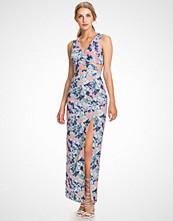 Elise Ryan Print Cut Out Print Maxi Dress