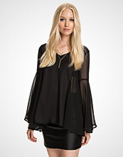 First And I FINIK BELL SLEEVE TOP