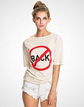 BACK No Back T-shirt