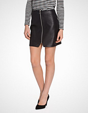 New Look Leather-Look Quilted Zip Front Mini Skirt