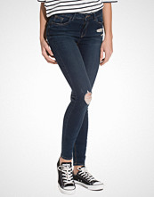 New Look Skinny Busted Knee Jeans