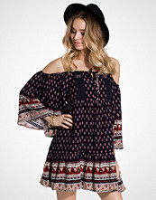 Glamorous Cold Shoulder Tunic