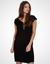 d.brand Miranda Dress