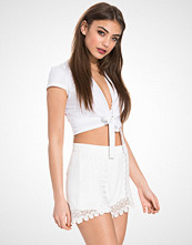 NLY Trend Cap Sleeve Bow Top