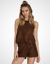 NLY Trend Fake It Suede Top