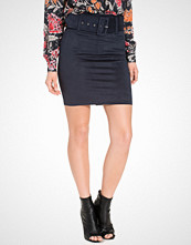 NLY Trend Belted Faux Suede Skirt