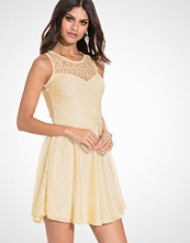 Club L Sweetheart Paisley Lace Skater Dress