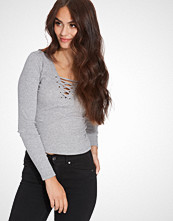 New Look Lace Up Crop Top