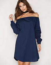 Closet Wide Off Shoulder Dress
