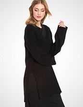 Filippa K Long V-Neck Pullover