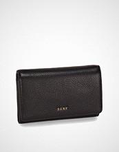 DKNY Chelsea Vintage Medium Carryall