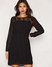 Dry Lake Wood Sleeve Lace Dress