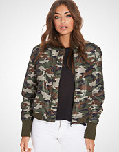 NLY Trend Camo Puffy Bomber