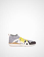 Adidas by Stella McCartney Crazymove Bounce