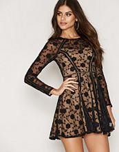 Love Triangle Antoinette Dress