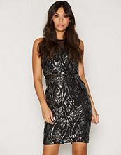 TFNC Remi Body Dress