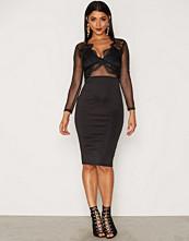 Ax Paris L/S V-neck Lace Dress