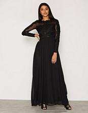 Ax Paris L/S Lace Detailed Dress