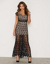 Love Triangle Botticelli Dress