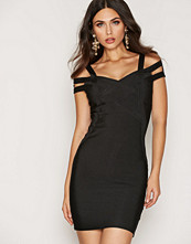 Wow Couture Detalied Shoulder Bodycon