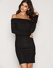 Jacqueline de Yong JDYJENN OFF SHOULDER GLITTER DRESS