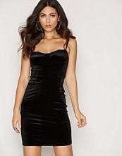 NLY One Lace Trim Velvet Dress