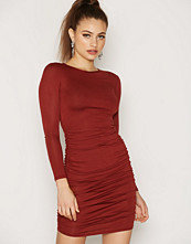 NLY One Round Neck Ruched Dress