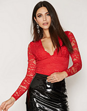 NLY One Scallop Lace Top