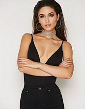NLY One Plunge Neck Body