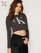 Calvin Klein Tyka-1 CN Crop LWK L/S