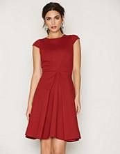 Closet Cap Sleeve Vvent Dress