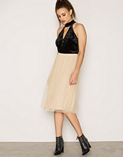Sisters Point Noodle Skirt