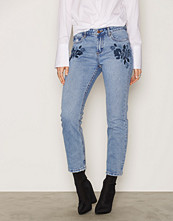 New Look Floral Embroidered Straight Leg Jeans