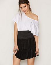 Sisters Point Black Goal Skirt