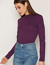 NLY Trend Feeling Free Polo Top