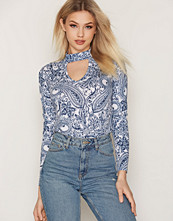 NLY Trend Choker Print Top