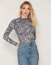 NLY Trend Printed Polo Top