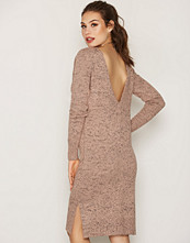 NLY Trend V-Back Knit Dress