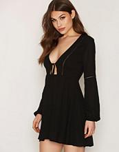 Glamorous Deep V-neck Dress