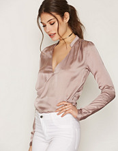 NLY Trend Wrap Me Blouse