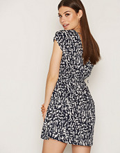 NLY Trend Wrap Back Dress