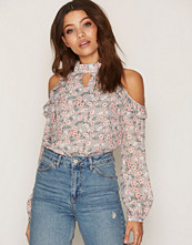 Glamorous Floral Cold Shoulder Top