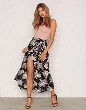 NLY Trend Svart Wrap Me Skirt