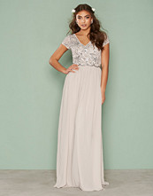 NLY Eve Decor Short Sleeve Gown