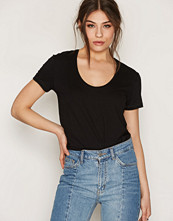 By Malene Birger Black Fevia T-Shirt