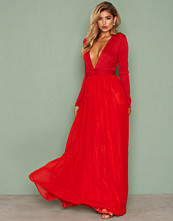 NLY Eve Long Sleeve Evening Gown
